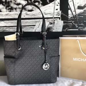 Michael Kors Purse Handbag MK Monogram Jet Set Bag